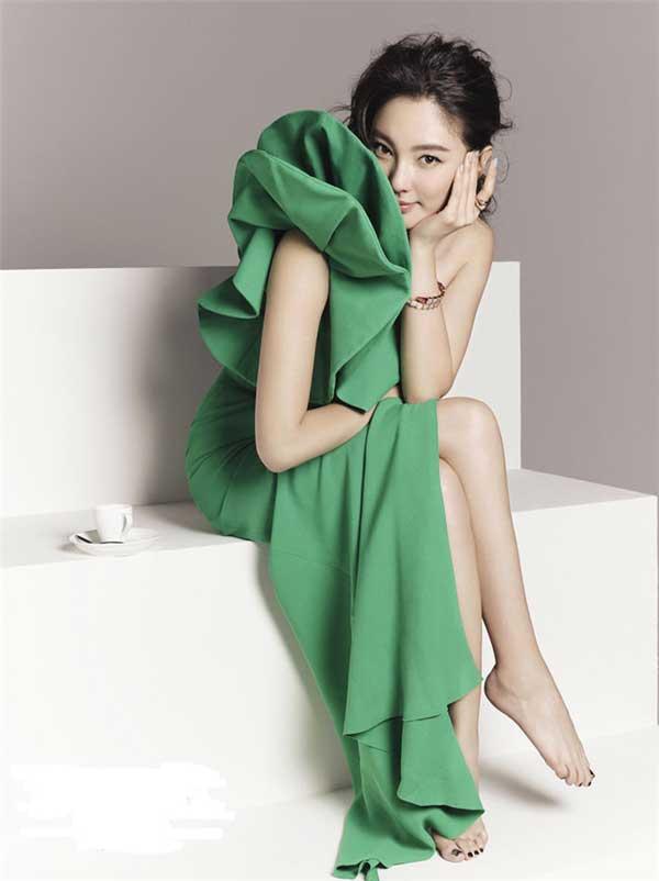 """""""Song Hye Kyo Trung Quốc"""" nở nang căng tràn dù không ăn thịt - 8"""