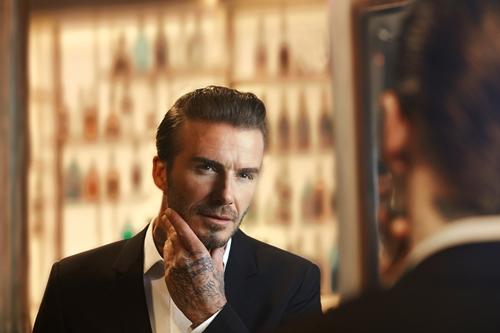 Thói quen khá nữ tính này, bảo sao Beckham U50 vẫn phong độ ngút trời - 2
