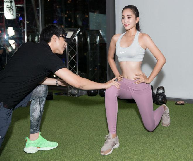 Hoa hậu Tiểu Vy khoe số đo hình thể đẹp như búp bê khi tập gym - 6