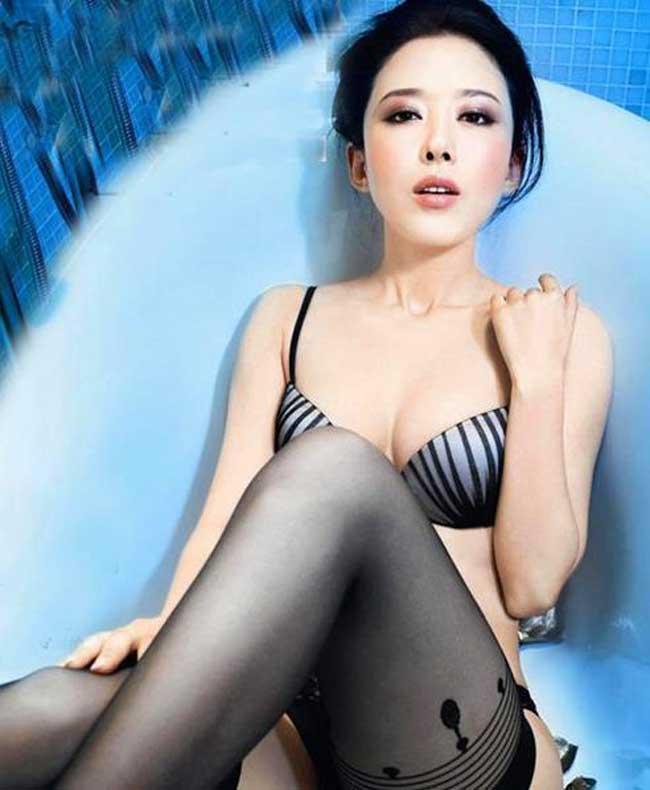 Bí quyết giữ đôi chân nuột nà 1,12m của mỹ nữ Mông Cổ - 2
