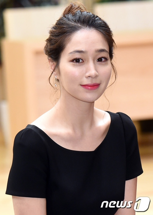"""Bà xã """"giữ chân"""" tài tử trăng hoa nhất Hàn Quốc nhờ nghệ thuật làm đẹp - 3"""
