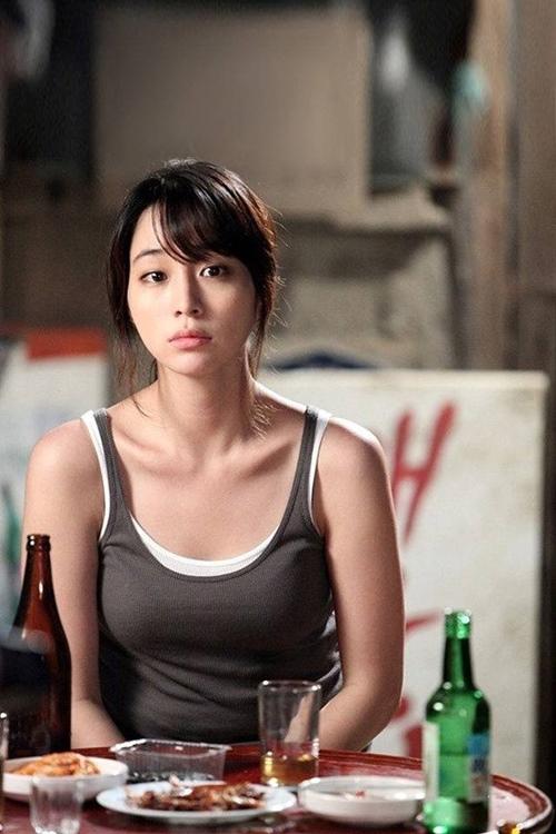 """Bà xã """"giữ chân"""" tài tử trăng hoa nhất Hàn Quốc nhờ nghệ thuật làm đẹp - 2"""