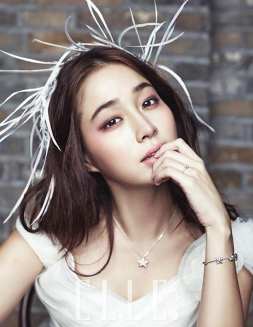 """Bà xã """"giữ chân"""" tài tử trăng hoa nhất Hàn Quốc nhờ nghệ thuật làm đẹp - 4"""