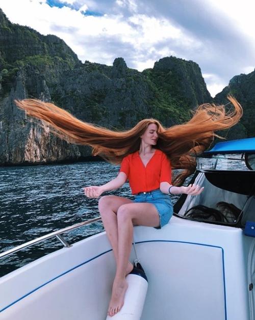 """Quy trình làm đẹp cực khắt khe của """"công chúa tóc mây"""" nước Nga - 4"""